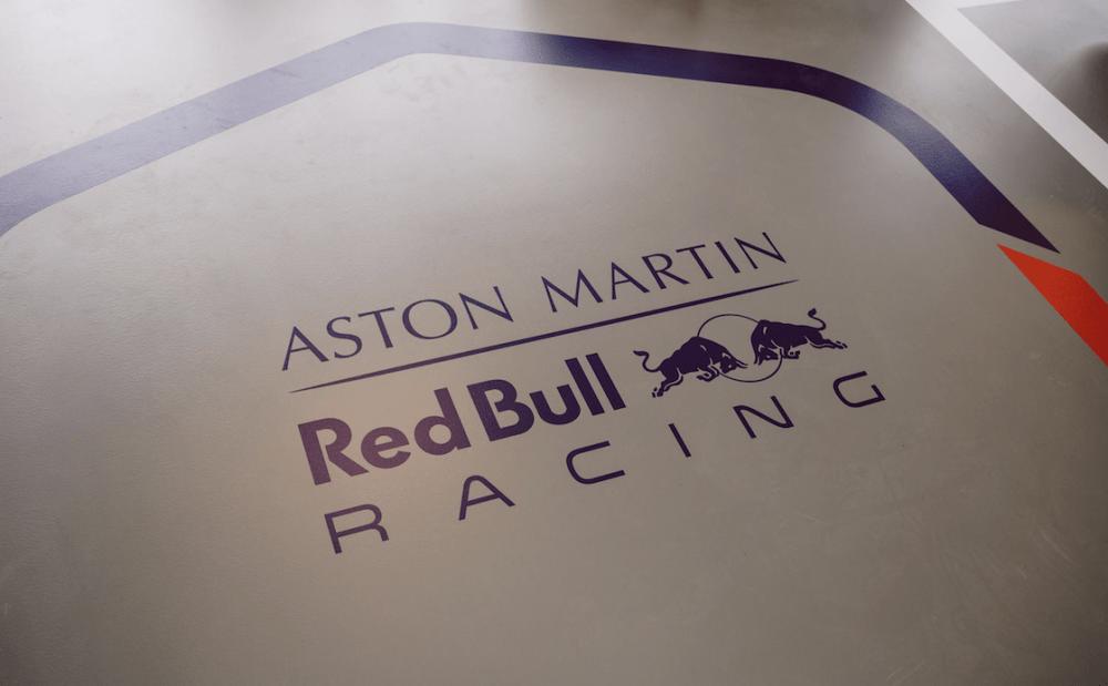 Red Bull - Bestickering