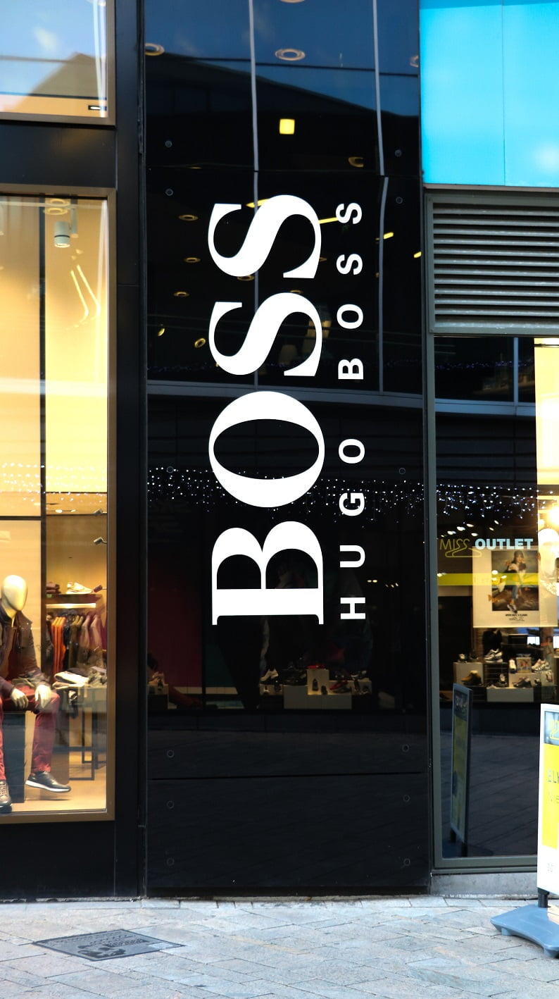 Hugo Boss - Freesletters wit op zwart