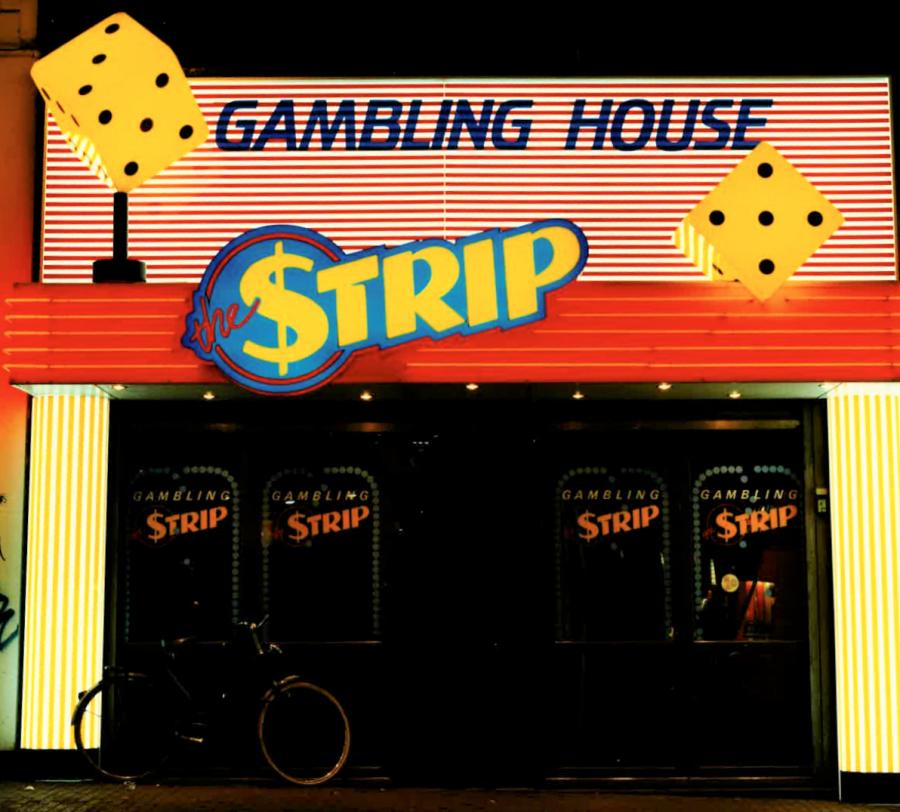 Gambling House strip neon gevelreclame oude foto van FriJo amsterdam